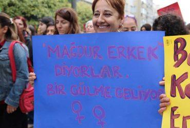 Kadınların Nafaka Hakkını Yok Sayan Yargıtay 2. Hukuk Dairesi Başkanı Ömer Uğur Gençcan Derhal İstifa Etmelidir; Etmiyorsa Görevden Alınmalıdır!